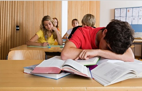 mengantuk saat belajar di kelas